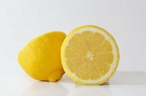 Готуємо лимонний сік