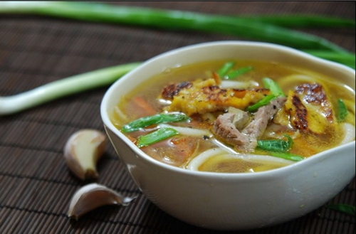 суп-локшина зі свининою