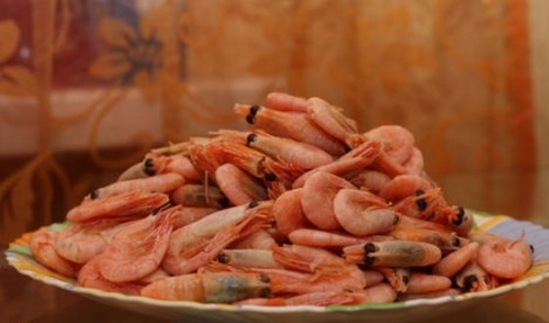 Салат з креветками в тарталетках