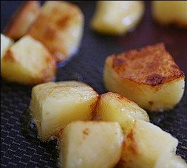обсмажуємо картоплю