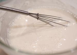 збиваємо борошно з молоком
