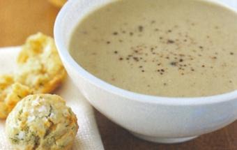 молочний суп-пюре з горіхами