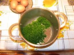 змішуємо зелень з яйцем