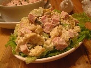 салат з шинкою і сиром