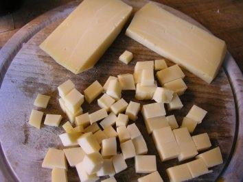 нарізаємо сир