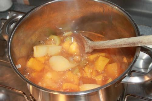 доводимо суп до кипіння
