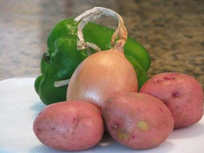 цибуля, картопля, зелений перець