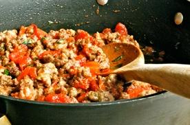 смажимо овочі з м'ясним фаршем