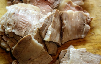 подрібнюємо м'ясо